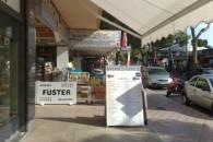 UNIQUE CAFE / RESTAURANT IN BUSY ARCADE