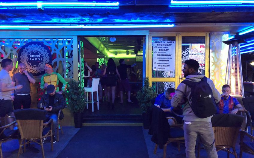 Very Popular Late Night And Music Bar For Sale
