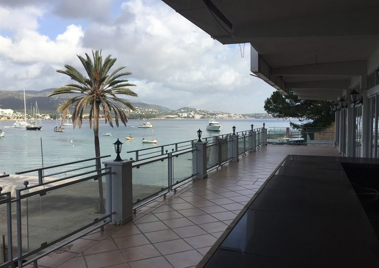 Amazing Views with this Bar And Resturant In Palma Nova For Sale