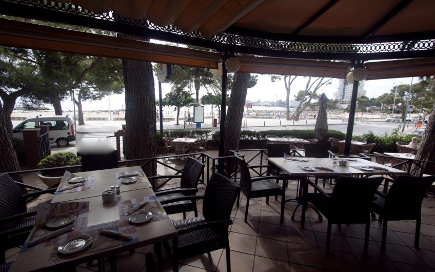 Large established Restaurant, Front Line In SW Region For Sale