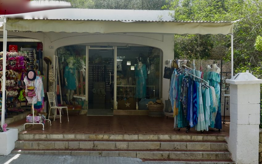Bargain! Perfect little boutique/local available in IIleatas for Sale