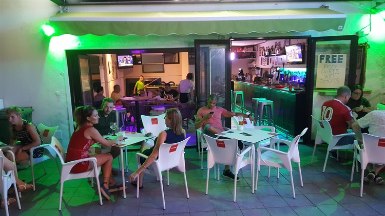 Established Late Night Music Bar in Santa Ponsa For Sale