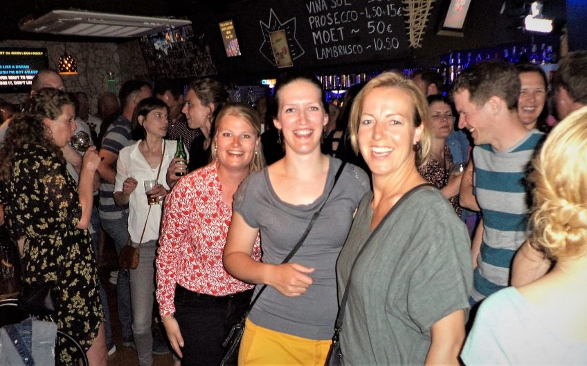 Popular Karaoke and Live Music Bar in Santa Ponsa For Sale