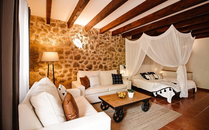 9 Bedroomed 4 Star Hotel With Restaurant For Sale